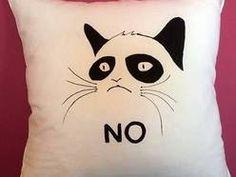 Poduszka dekoracyjna ręcznie malowana Grumpy Cat