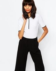 The cutest little tee! Perfect to go with my flared jeans <3