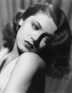 Lana Turner, - Summers in Hollywood Glamour Hollywoodien, Old Hollywood Glamour, Golden Age Of Hollywood, Vintage Hollywood, Hollywood Stars, Classic Hollywood, Vintage Glamour, Vintage Beauty, Hollywood Icons