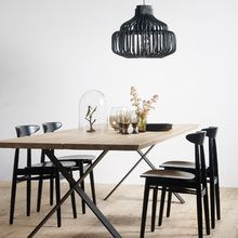 Our Albert dining table is beautiful in its simplicity. A slimline 'X' frame base supports a solid wood table top that comes as a single piece, or alternatively, as a double piece which provides an aesthetically pleasing centre line. Oak Table Top, Solid Wood Table Tops, Solid Wood Dining Table, Dining Room Table, Dining Chairs, Rattan Lampe, Slots Decoration, Dinner Tables Furniture, Diner Table