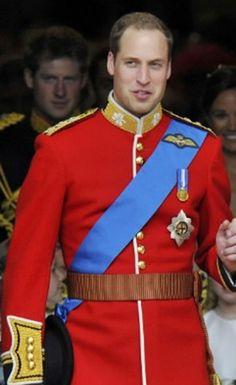 Prince William Wedding Uniform - We all love men in uniforms right?
