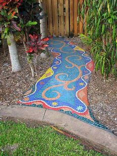 Mosaic walkway - 45 Beautiful DIY Mosaic Garden Path Decorations For Your Landscape Inspiration – Mosaic walkway Mosaic Walkway, Pebble Mosaic, Mosaic Art, Mosaic Glass, Mosaic Tiles, Tiling, Décor Boho, Bohemian Rug, Mosaic Madness