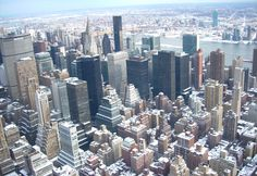 If you're looking to rent an apartment in New York, look during the winter! The average rental rate in NY went down during the winter season!