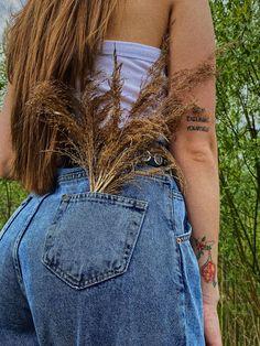 #photography #tattoo #model #vsco #instagram #pinterest #ideas #jeans #blog #blogging #photooftheday #photo #summer #casual Simple Photo, Photo Ideas, Vsco, Blogging, Tattoo, Jeans, Casual, Summer, Model