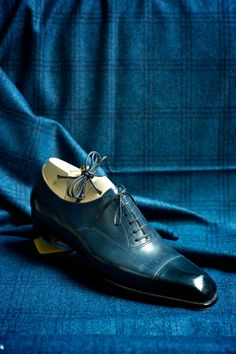 "A perfect, blue oxford Spigola by Koji Suzuki OMG ~ wht a gorgeous colour of blue!! ~js Frm bd: The Art of Bootmakers & ""Pompes"""