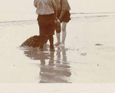 Drie jongens op het strand van Scheveningen, James Higson, 1904 - Meestermatches - Rijksmuseum