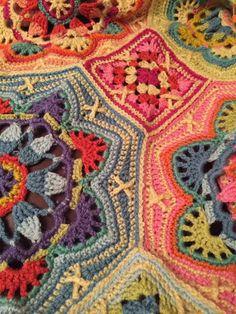 Crochet Persian Tiles close-up, from FB.