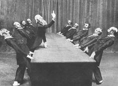 Source: Kurt Jooss, Der grüne Tisch [The Green Table], Théâtre des Champs-Élysées, Paris, 1932.