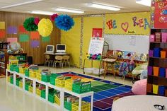 The Techy Teacher: Welcome To Our Classroom! (Warning:Tons of Pics! Classroom Layout, Classroom Organisation, Teacher Organization, Classroom Design, Classroom Displays, Kindergarten Classroom, Future Classroom, School Classroom, Classroom Themes