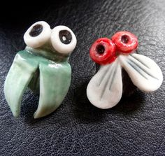 fly insect bug black green red quirky porcelain 925 SILVER pierced earrings K151 #katywroe #Stud