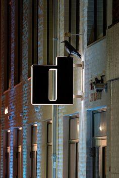 03 Vingeskilt by IDE|SKILTE -skiltning af virksomheder, via Flickr