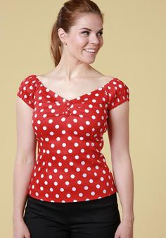 Dolores Red Polka Top, a vintage inspired top with red and white polka dot pattern, gypsy sleeves and sweetheart neckline. Perfect with highwaisted skirts and pants!   Get it now:https://www.misswindyshop.com/collections/paidat-topit/products/dolores-red-polka-top-toppi