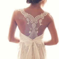 Our newest obsession is delicate and unique racerback wedding dresses. Here are our 24 favorite finds! Photo via Anna Campbell.
