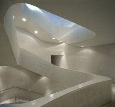 Escalera central del Caixa Forum