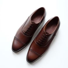 Food for eyes and spirit Best Shoes For Men, Men S Shoes, Oxford Shoes Outfit, Dress Shoes, Casual Leather Shoes, Oxford Platform, Goodyear Welt, Classic Collection, Ladies Dress Design