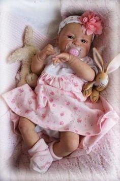 Baby Girl Molly -- love the flowered headband! Bb Reborn, Silicone Reborn Babies, Silicone Baby Dolls, Reborn Baby Girl, Reborn Toddler, Toddler Dolls, Reborn Dolls, Ooak Dolls, Barbie Dolls