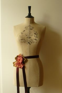 product/antique-inspired-mannequin-dressform-stockman-vintage-distressed