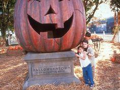 HALLOWEENTOWN | Halloween | Pinterest | Hocus pocus