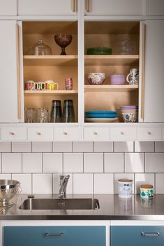 You searched for label/Remontti - Lähiömutsi Interior Styling, Interior Design, Bathroom Medicine Cabinet, Kitchen Cabinets, Art Deco, Dining Room, Kitchen Stuff, Kitchen Ideas, Furniture