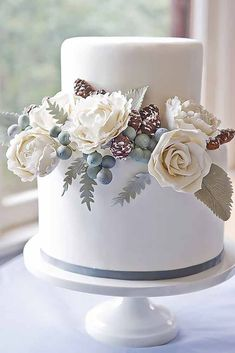 18 Small Wedding Cakes With Big Style ❤ See more: http://www.weddingforward.com/small-wedding-cakes/ #weddings #cakes #floralweddingcakes