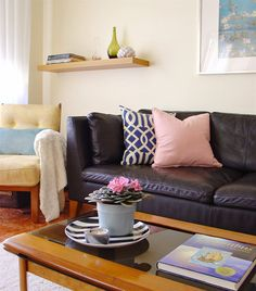 Carla's living room | STOCKHOLM leather sofa | Portugal | live from IKEA FAMILY