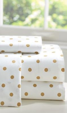 Cute gold dot sheets