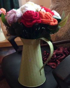 Knitted roses for a friend Roses, Knitting, Home Decor, Decoration Home, Pink, Tricot, Room Decor, Rose, Cast On Knitting