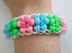 Tired of Starburst Bracelets in Rainbow Colors? Try these 5 Colour Combinations