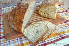 Paine de casa pufoasa cu seminte si apa de cartofi | Savori Urbane Bread, Food, Meal, Essen, Hoods, Breads, Meals, Sandwich Loaf, Eten