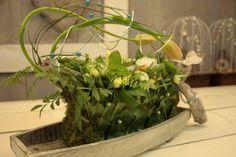 In de instructievideo's wordt je stap voor stap uitgelegd hoe je prachtige bloemstukken zelf kunt maken.