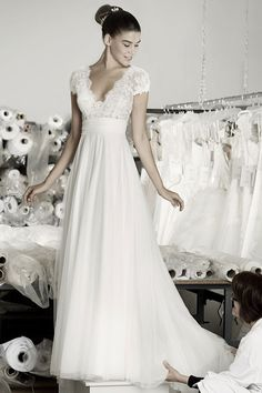 Cymbeline Caen Hochzeitskleid - Wedding Makeup For Fair Skin Cymbeline Wedding Dresses, Shabby Chic Wedding Dresses, Wedding Dress Styles, Wedding Attire, Wedding Gowns, Shabby Chic Outfits, Bridal Outfits, Bridal Dresses, Happy Brautmoden