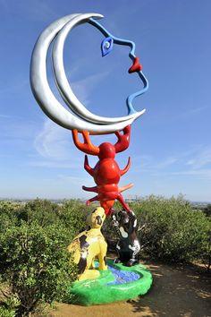 La fontaine des femmes niki de saint phalle 1998 le jardin des tarots capalbio toscane - Jardin niki de saint phalle ...