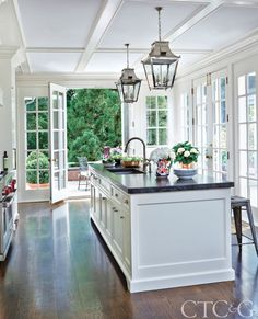 4 Vibrant Tips: Kitchen Remodel Checklist House kitchen remodel layout apartment therapy.Kitchen Remodel Cost Home kitchen remodel pictures window.Kitchen Remodel With Island Counter Tops. Modern Farmhouse Kitchens, Home Kitchens, Colonial Kitchen, Dream Kitchens, Country Style Kitchens, Country Kitchen, Modern French Kitchen, Rustic Chic Kitchen, Farmhouse Style
