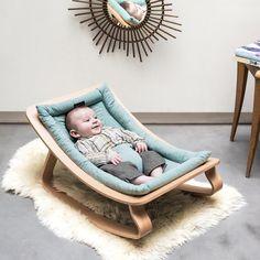 Traumhaft schöne Design Babywippe Levo  Holen Sie sich mit der Babywippe LEVO von Charlie Crane funktionales Design in Ihr Zuhause. Ein unverzichtbares Babymöbel und ein unschlagbarer Alltagshelfer von der Geburt bis zum Alter von rund 7 Monaten.