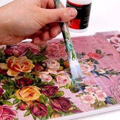 Подарки на день рождения бабушке своими руками  Приветствую, дорогие друзья! Делать подарок бабушке на день рождения своими руками всегда приятно. А его торжественное вручение и счастливая бабушка – это самый волнительный момент для творца. Специально для тех, кто привык баловать своих любимых бабушек изделиями хенд мейд эта статья, где собраны самые разные творческие идеи для подарков любимым бабушкам.  https://pleteniebiserom.ru/2017/12/podarki-na-den-rozhdeniya-babushke-svoimi-rukami…