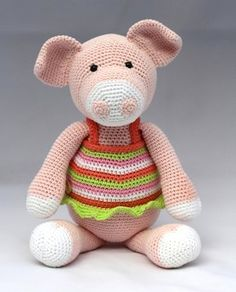 Stip en Haak - Viola the Pig - Dutch-Knitting and Crochet Communication-Crochet Patterns-PinDIY - Diy Crochet Amigurumi, Crochet Pig, Amigurumi Patterns, Crochet Animals, Crochet Dolls, Crochet Patterns, Knooking, Farm Animal Toys, Loom Knitting Stitches