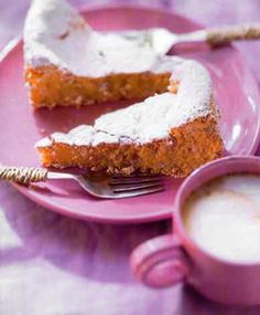Gató de Mallorca, Majorcan dessert. Almond cake.  Served also with ice cream. #Mallorca. Spain.