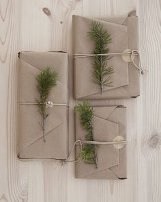 The Design Chaser: A Natural Christmas wrapping ideas Present Wrapping, Creative Gift Wrapping, Creative Gifts, Diy Wrapping, Christmas Gift Wrapping, Christmas Presents, Christmas Gifts, Christmas Decorations, Merry Christmas