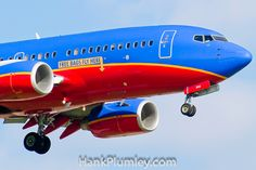 Free bags fly here Southwest Airlines Boeing 737 on approach to KCLE, Cleveland Hopkins International Airport