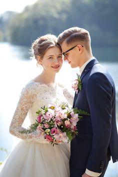Hochzeit von Eduard & Mirjam - Couple on their Wedding - Photographie Photography Beach, Wedding Photography Poses, Couple Photography, Photography Ideas, Wedding Photoshoot, Wedding Pics, Wedding Trends, Wedding Dresses, Wedding Ideas