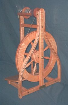 Curly Maple Robin spinning wheel