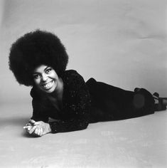 Roberta Flack in 1969 22 Photos That Prove Black Girls Have Been Magic For A Long Time Beautiful Voice, Black Is Beautiful, Black Girl Magic, Black Girls, Black Women, African American Quotes, Roberta Flack, Ageless Beauty, Pop Singers