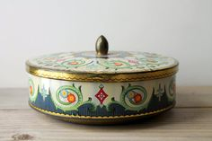 Vintage English metal candy tin / cottage chic   WhiteDogVintage