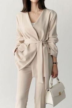 - K-fashion - - K-Mode - Outfits Preppy Fall Outfits, Fall Fashion Outfits, Curvy Outfits, Mode Outfits, Work Fashion, Classy Outfits, Hijab Fashion, Fashion Fashion, Stylish Outfits