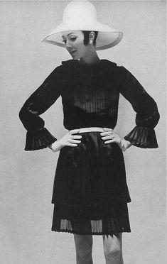 1969 Hubert de Givenchy