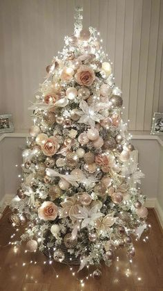 And Elegant Floral Christmas Tree Ideas Farmhouse Trees. Marvelous rose gold and bush pink decoration on Christmas tree with lights. Marvelous rose gold and bush pink decoration on Christmas tree with lights. Christmas Tree Inspiration, Beautiful Christmas Trees, Christmas Tree Themes, Noel Christmas, Xmas Decorations, Rose Gold Christmas Tree, Rose Gold Christmas Decorations, Christmas Bedroom, Xmas Trees