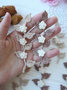 Flowers on the branch PATTERN - - Dentelle diy couture Crochet Leaves, Crochet Motifs, Crochet Flower Patterns, Thread Crochet, Crochet Trim, Love Crochet, Irish Crochet, Crochet Stitches, Knit Crochet
