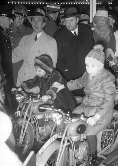 December, Joseph Goebbels with Helga.