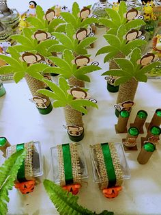 To decorate tent legs Monkey First Birthday, Monkey Birthday Parties, Jungle Theme Birthday, Moana Birthday Party, Safari Birthday Party, Baby Birthday, Safari Party, Jungle Party, Safari Theme