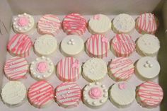 Pearls and Roses Chocolate Covered Oreos